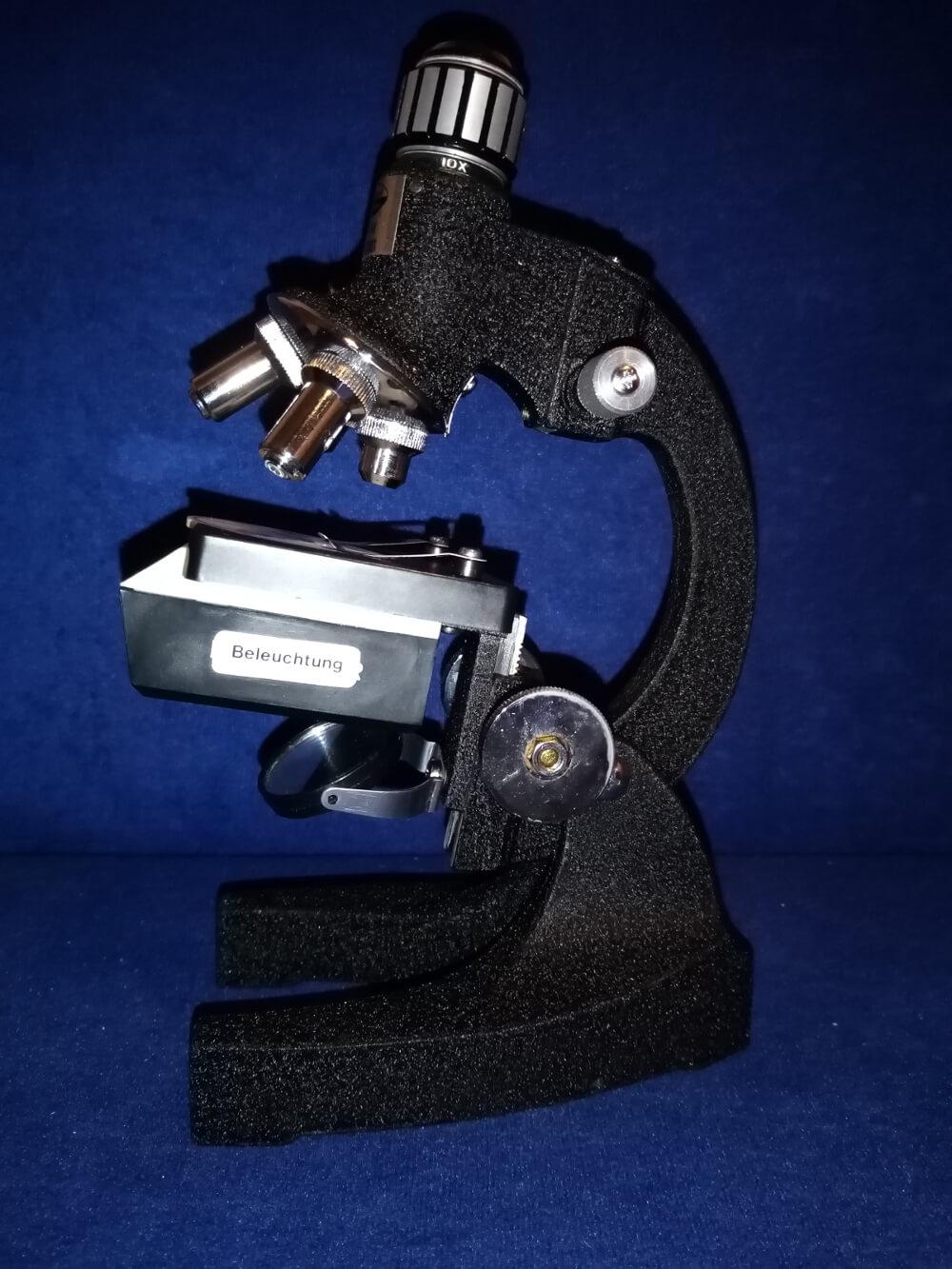 regression wie genaues suchen nach ursachen mit symbol mikroskop